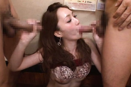 Seductive Kaede Fuyutsuki cannot get enough of hot joy