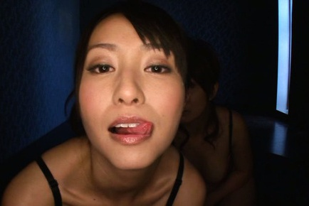 Arousing hottie Mako Higashio shares in threesome
